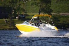Barco de lujo amarillo Fotos de archivo libres de regalías