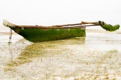 Barco de madeira no Oceano Índico fora da ilha de Zanzibar Unguja Fotografia de Stock Royalty Free