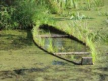 Barco de madera anegado Imagen de archivo