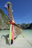 Barco de madera de Maya Bay Thailand Traditional Thai Longtail Fotos de archivo libres de regalías