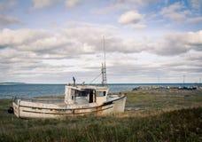 Barco de madera del viejo abandono Foto de archivo