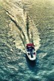 Barco de motor na maneira Imagens de Stock Royalty Free