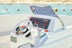 Barco de motor no mar fotografia de stock