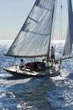 Barco de navegación antiguo durante una regata en la obra clásica Yac de Panerai Fotos de archivo libres de regalías