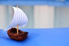 Barco de navegación del shell de la tuerca imagenes de archivo