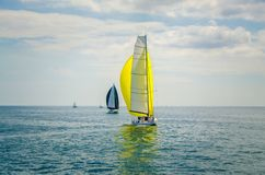 Barco de navegación moderno fotografía de archivo