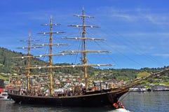 Barco de navegación viejo, histórico en Norheimsund, Noruega Imagen de archivo libre de regalías