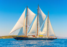 Barco de navegación de madera clásico Imágenes de archivo libres de regalías