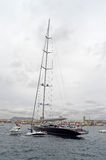 Barco de navigação desproporcionado Fotos de Stock Royalty Free