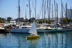 Barco de navigação pequeno fotografia de stock royalty free
