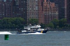 Barco de NYPD en el Hudson Imagen de archivo