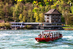 Barco de observación de Rheinfall 2 Imagenes de archivo