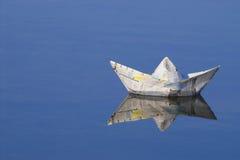 Barco de papel Imagenes de archivo