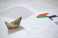 Barco de papel do dólar Foto de Stock Royalty Free