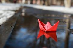 Barco de papel em uma associação Foto de Stock Royalty Free