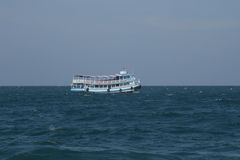 Barco de pasajero típico de Tailandia Fotografía de archivo