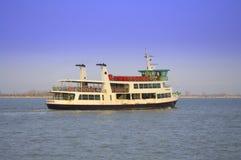 Barco de pasajero viejo Foto de archivo libre de regalías