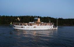 Barco de passageiro no arquipélago de Éstocolmo Foto de Stock Royalty Free