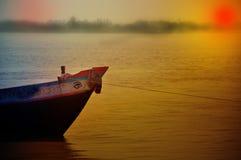 Barco de pesca Asia-de madera costero rural imagen de archivo libre de regalías