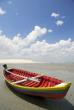 Barco de pesca brasileño colorido tradicional Jericoacoara el Brasil Imagen de archivo libre de regalías