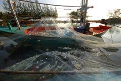 Barco de pesca de la caballa. Foto de archivo