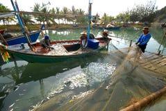 Barco de pesca de la caballa. Fotografía de archivo libre de regalías