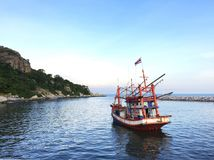 Barco de pesca de madeira fotografia de stock royalty free