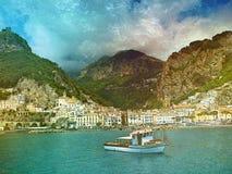 Barco de pesca del coste de Italia imagen de archivo libre de regalías
