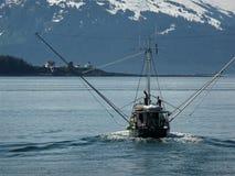 Barco de pesca en Alaska Imágenes de archivo libres de regalías