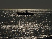 Barco de pesca en el mar Fotografía de archivo libre de regalías