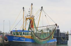 Barco de pesca en el puerto Imágenes de archivo libres de regalías