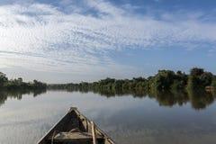 Barco de pesca en el río Níger, Niger fotografía de archivo