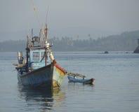 Barco de pesca en Sri Lanka Foto de archivo libre de regalías