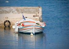 Barco de pesca griego Foto de archivo libre de regalías