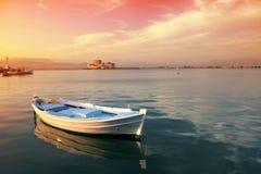 Barco de pesca griego tradicional Foto de archivo libre de regalías