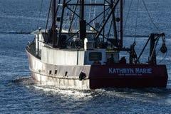 Barco de pesca Kathryn Marie que incandesce na luz da manhã Fotografia de Stock