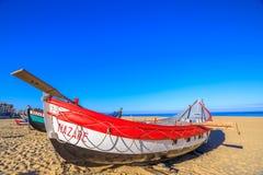 Barco de pesca de Nazare fotos de stock