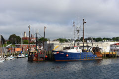 Barco de pesca no porto de Gloucester, Massachusetts Imagem de Stock Royalty Free