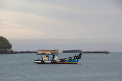 Barco de pesca no sea Foto de Stock Royalty Free