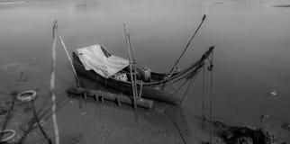 Barco de pesca quebrado fotografia de stock royalty free
