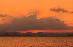 Barco de pesca tailandés Foto de archivo