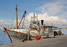 Barco de pesca tradicional de Taiwán en puerto Imagenes de archivo