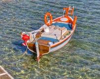 Barco de pesca tradicional grego Imagens de Stock
