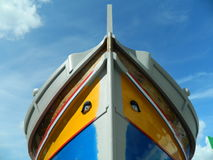 Barco de pesca tradicional na doca Fotos de Stock