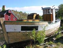 Barco de pesca velho de Sinked Foto de Stock