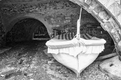 Barco de pesca velho Pequim, foto preto e branco de China Fotos de Stock Royalty Free