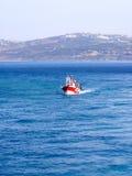 Barco de pesca vermelho Fotografia de Stock
