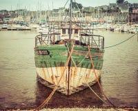 Barco de pesca viejo del vintage Fotos de archivo