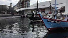 Barco de pesca vietnamiano, museu marítimo, Sydney, Austrália filme