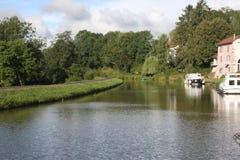 Barco de placer en el DES Voges del canal en Francia Fotografía de archivo